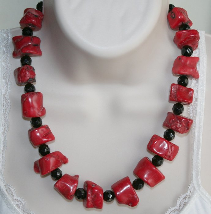 Chunky Red Bamboo Raw Coral Statement Necklace, Faceted Black Onyx Beaded