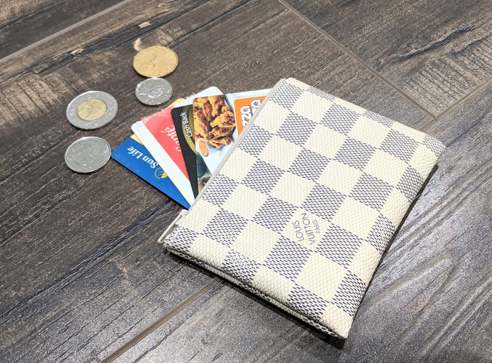 LV Damier Azur small wallet - Upcycled LV coin purse - Repurposed Louis Vuitton