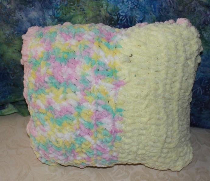Pillow, crochet