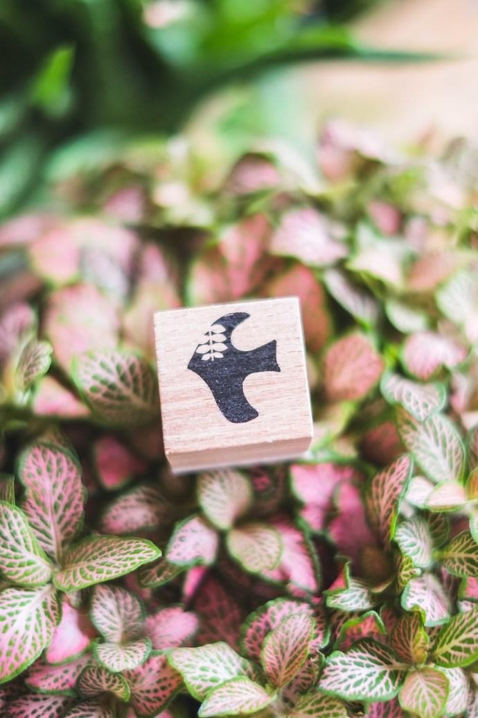 London Gifties x Petra original design wooden stamp - Birdie 1 - 3 x 3 cm - B