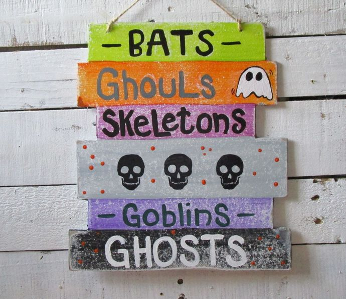 Halloween Wall Hanging: spooky, witches, Happy Halloween, hocus pocus,spiders,