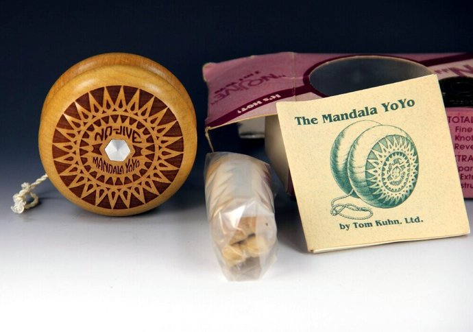 Tom Kuhn Mandala Starburst NoJive 3 in 1 Yo-Yo, Made in 1980's, New in Box