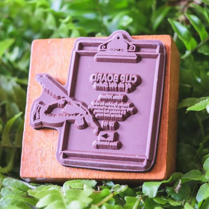 Fun & Joy wooden stamp in a cardboard tray - Clip Board - 4.8 x 4.8 cm