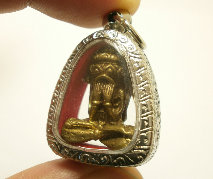Phra Pitta Pidta Pita Thai pendant amulet blessed in 1985 lucky success strong