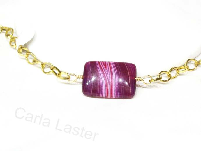 Magenta agate bracelet, gold bracelet, adjustable length bracelet with large