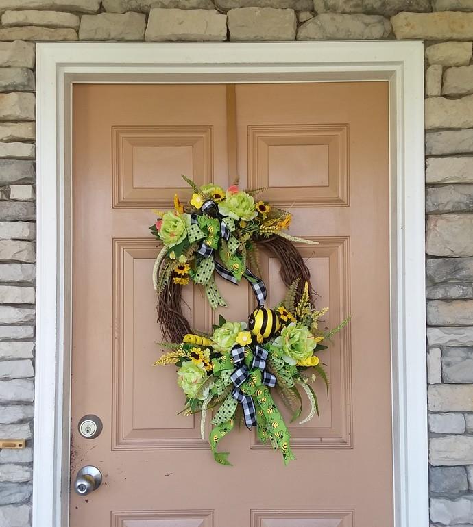 Bumble Bee Front Door Wreath~  Bumblebee Wreath ~ Bumble Bee Wreath ~Summer Bee