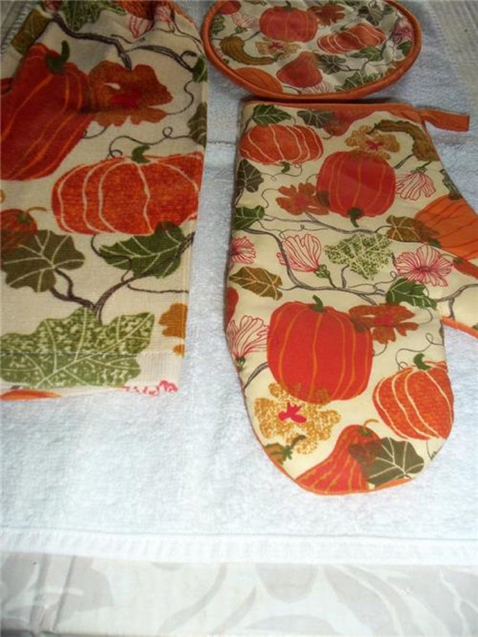 Pumpkins And Vines Kitchen Hanging Towels Med. Quality 4 pieces