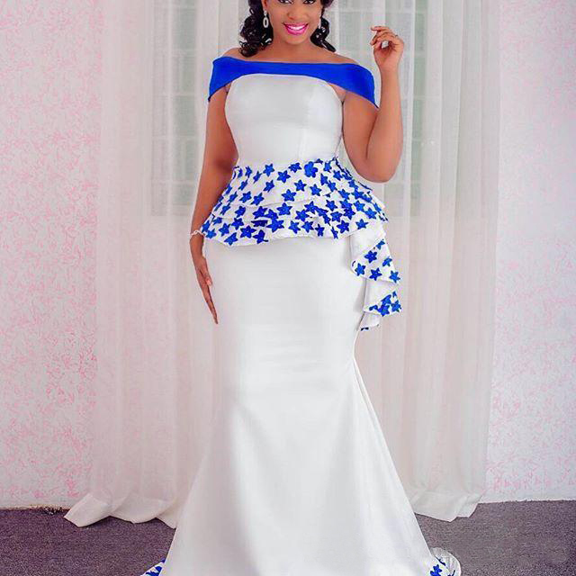 White Off Shoulder Prom Dresses With Blue Appliques Sexy Mermaid Long Prom Dress