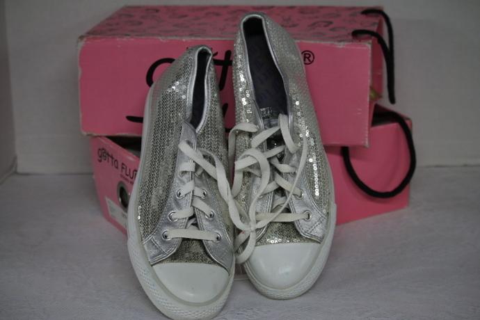 Sequin Sneakers Gotta Flurt Size 8.5