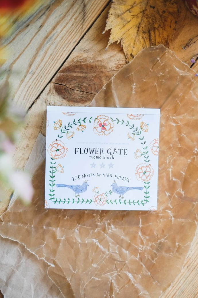 Aiko Fukawa memo pad - Flower Gate - 120 note sheets with 4 different designs