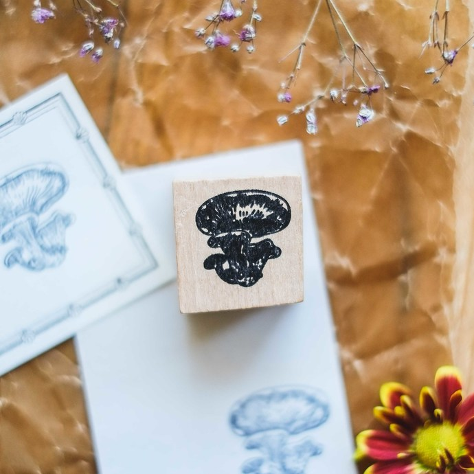 London Gifties original design wooden stamp - Mushroom 1 - 3 x 3 cm - B quality