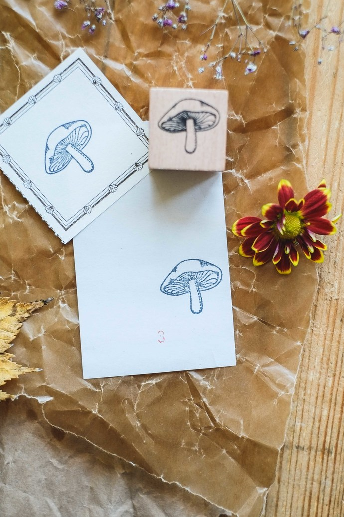 London Gifties original design wooden stamp - Mushroom 3 - 3 x 3 cm