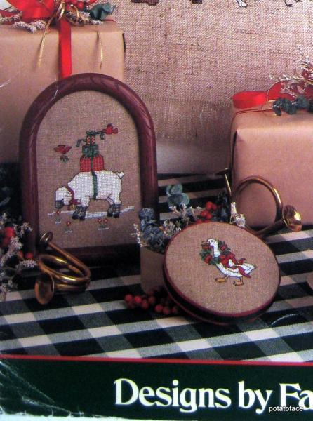 Herald the Holidays -- Vintage Cross Stitch Pattern