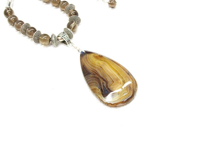 Magnificent coffee agate pendant necklace with smoky quartz and silver tone
