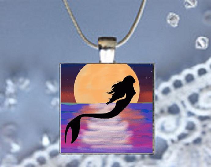 Pendant Necklace Moonlight Magic Mermaid