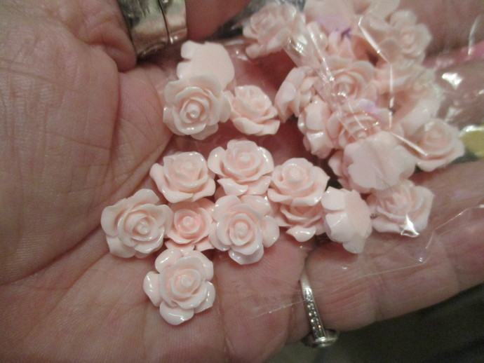 15 x Pale Pink Acrylic Roses