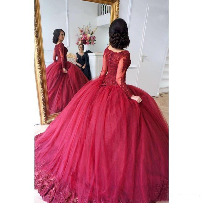 Dark Red 2019 Ball Gown Quinceanera Dresses Long Sleeves Lace Applique Tiered