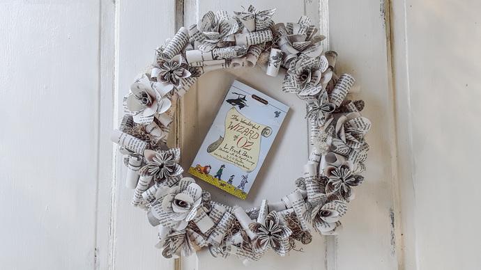 The Wonderful Wizard of Oz Book Flower Wreath, Indoor Wreath, Book Rose's, Book