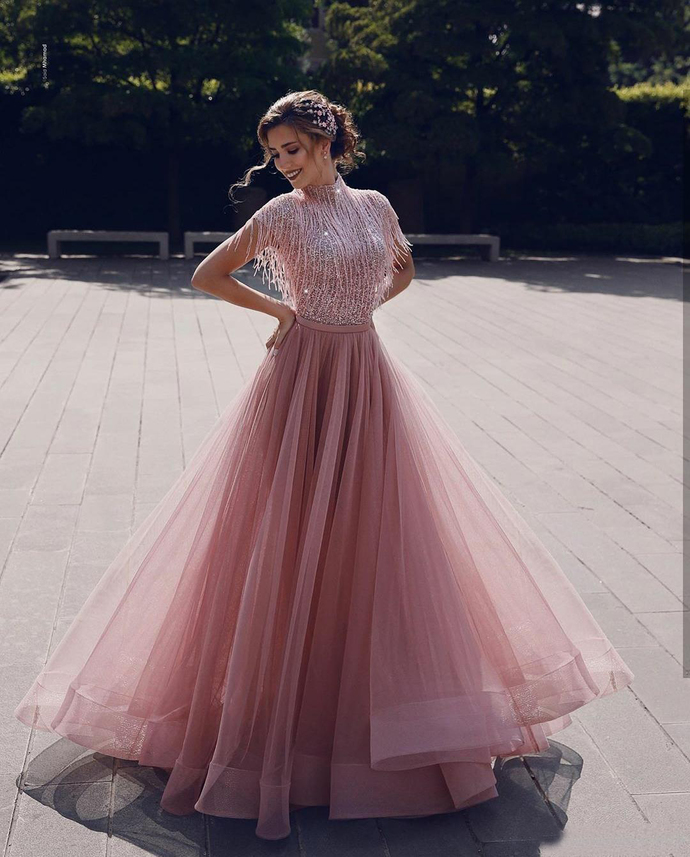 2020 New Arrival Luxury Prom Dresses A Line High Neck Sequined Beaded Tassels