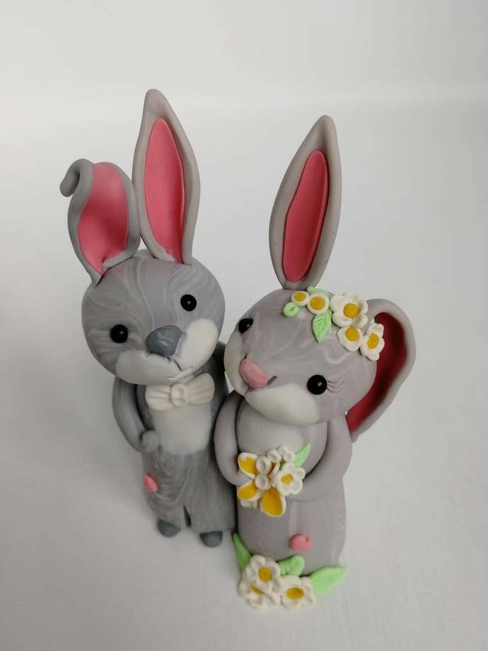 Bunny wedding cake topper Rabbit polymer clay figurines Mr and Mrs, Wedding