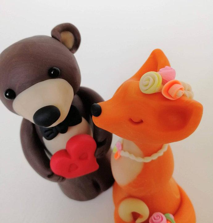 Fox and bear wedding cake topper figurine, animal clay cake topper, cute fox,
