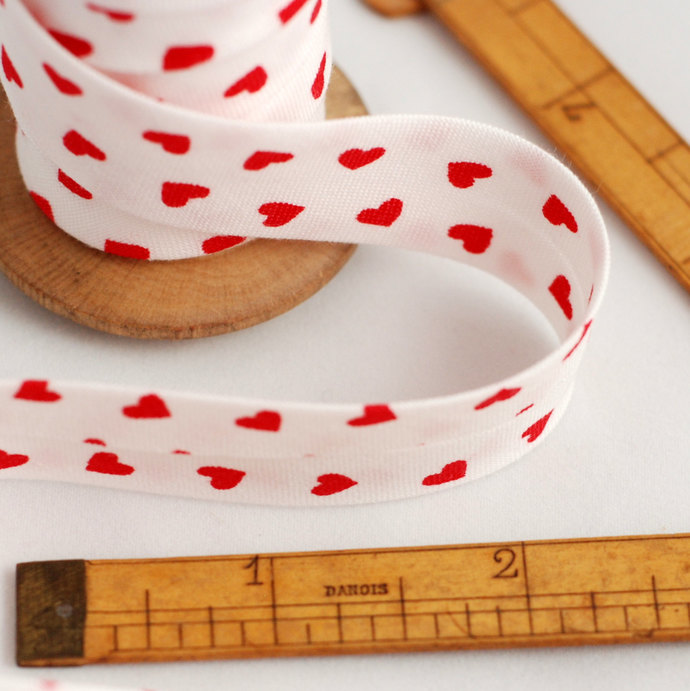 White and Red Heart motif Bias Binding - Sold by meter - valentine bunting