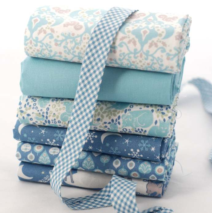 Leaf Print fabric - half meter - 100% Cotton -  Midnight blue - quilting