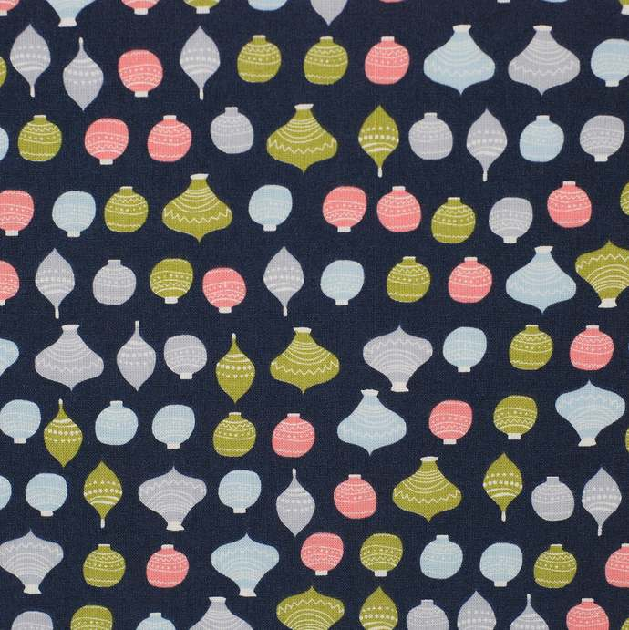 Christmas 6 fat quarter fabric bundle - 100% cotton - navy - quilting table