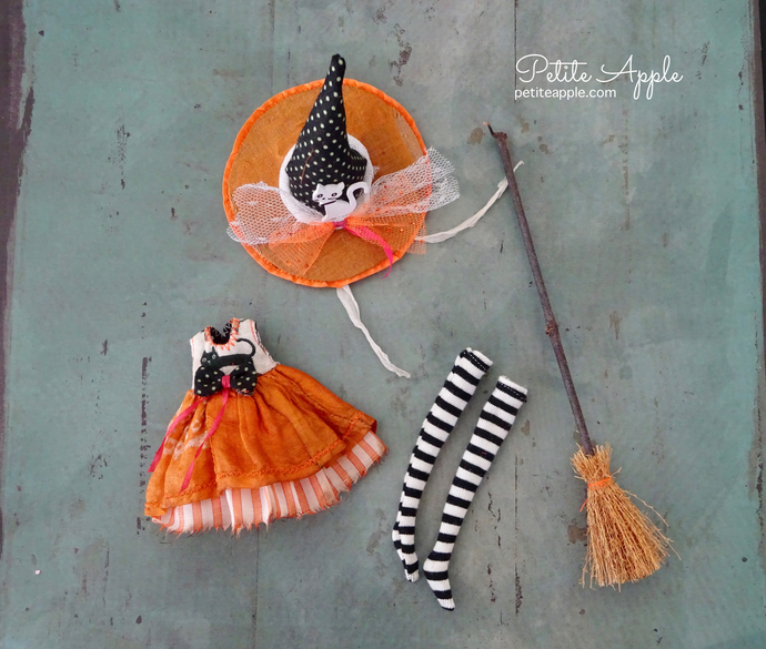 Doll costume for Wren and Middie Blythe- witch outfit set. Dress, socks, hat and
