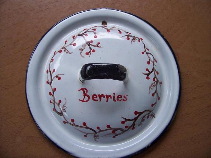Berries Vintage Enamel Lid