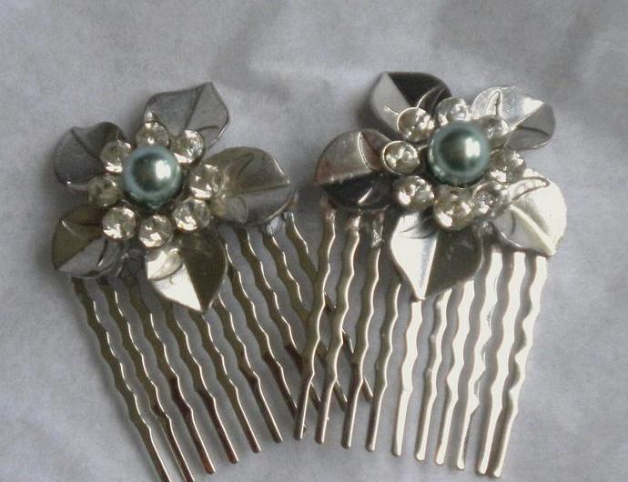 Vintage metal flower combs