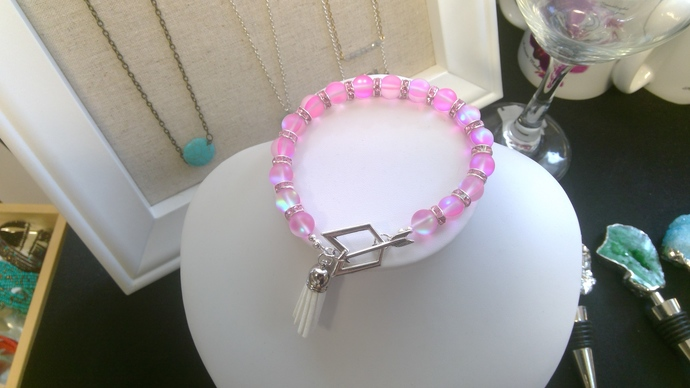 Pink mermaid glass bracelet with Arrow toggle and white mini tassel