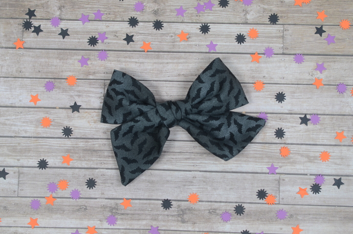 Large Lizzy Bow - Halloween Collection - Gone Batty