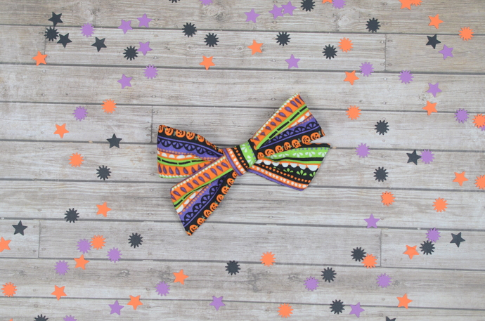Medium Lizzy Bow - Halloween Collection - Superstition