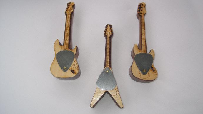 Bass, Flying V & Strat Pipe; Pipes Shaped Like Electric Guitars: Bass, Flying V