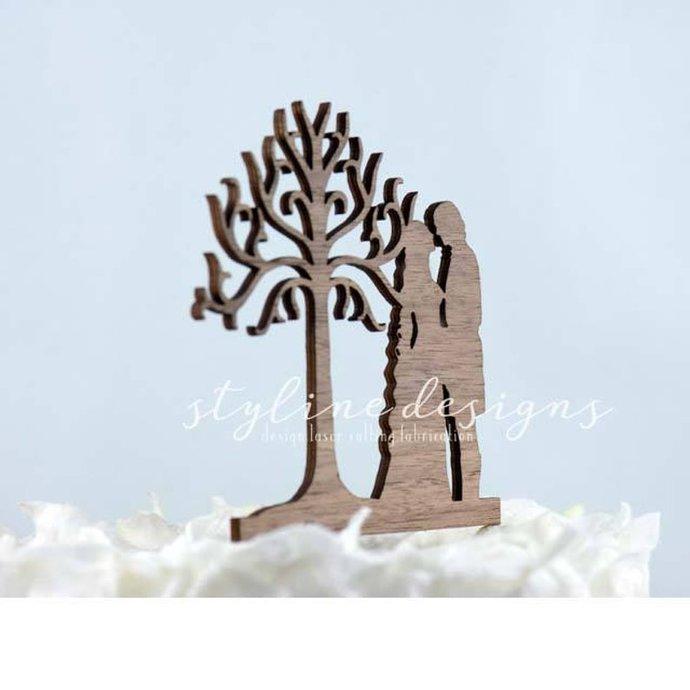 King Aragorn & Arwen - LoTR Inspired Wedding Laser Cut Sign or Topper