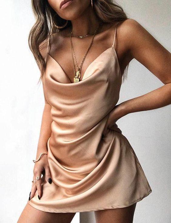 Sexy Spaghetti Straps Champagne Cocktail Dress Satin Short Homecoming Dress
