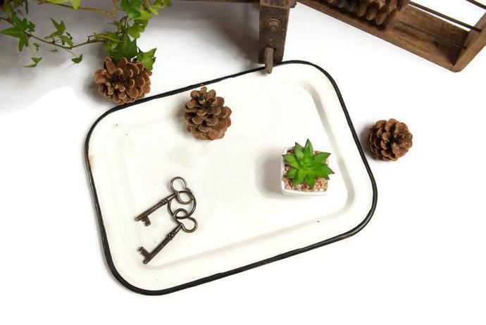 Enamel serving tray, large tray, metal tray, shabby tray, breakfast tray,