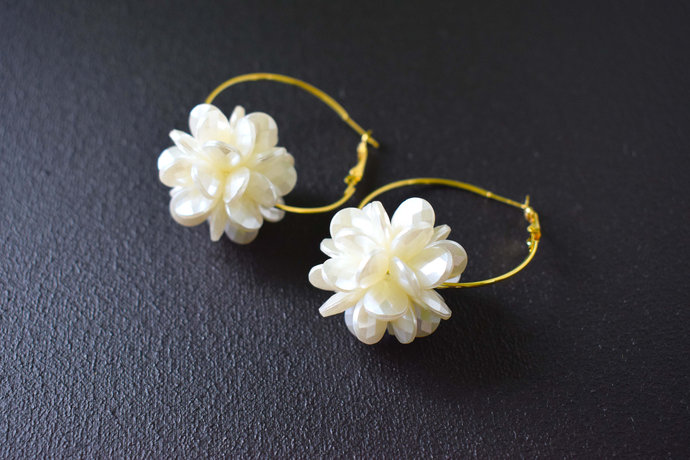 Rings earrings Flower earrings White earrings Wedding rings Summer earrings Gold