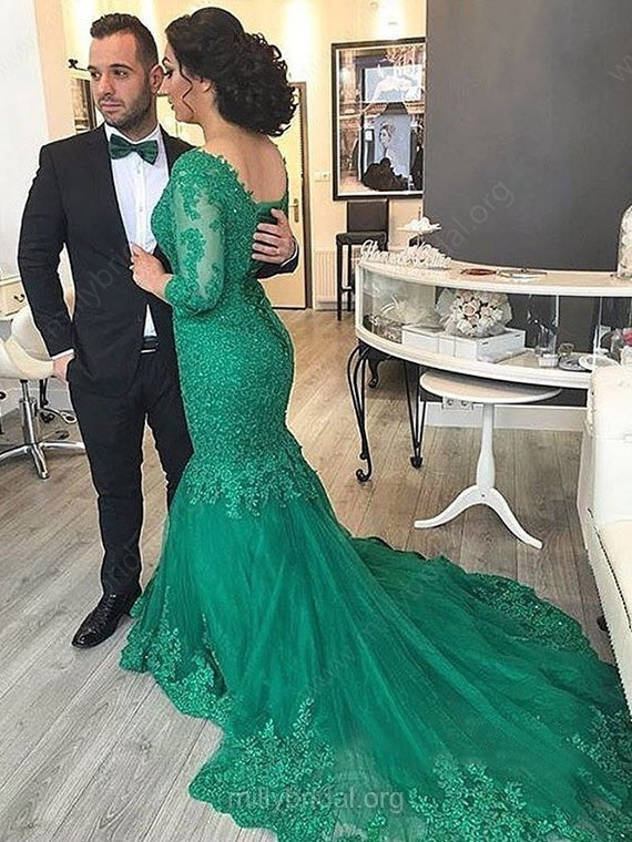 Modest Trumpet/Mermaid V-neck Tulle Court Train Appliques Lace 3/4 Sleeve Prom