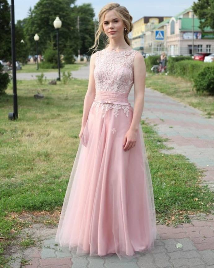 Pink Prom Dress,Tulle Wedding Dresses,O-Neck Prom Dresses,Appliques Prom Gown