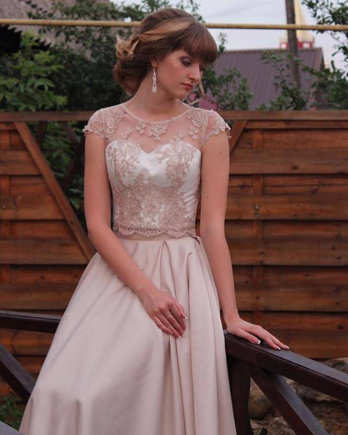 Charming Prom Dress,Satin Wedding Dresses,O-Neck Prom Dresses,Appliques Prom