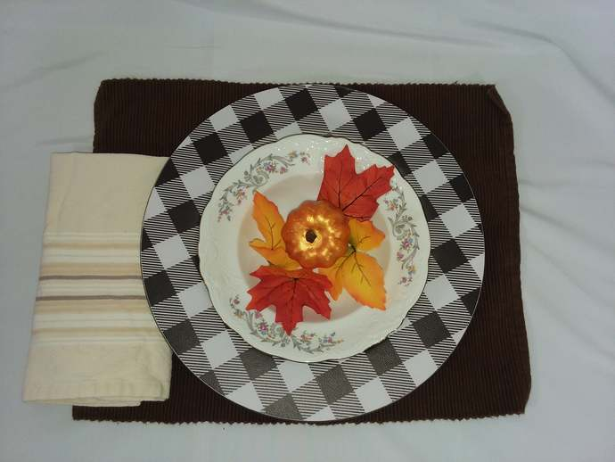 Buffalo Check Charger Plates~  Farmhouse Charger Plates~ Set of 4 Charger Plates