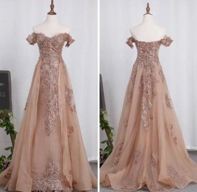 Long Tulle Prom Dress,Lace Appliques Prom Gowns,Court Train Evening Gowns, Prom