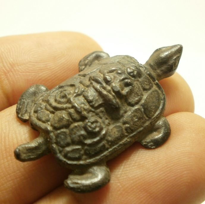Magic Turtle LP Lew Thai mini metal amulet miracle yant miniature Thailand