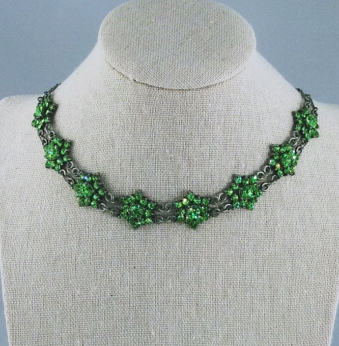 16'' Choker with Vintage Green Stones