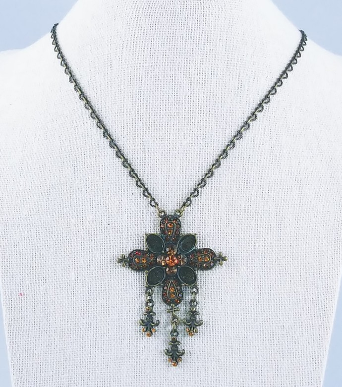 17'' Chain Necklace with Cross Pendant