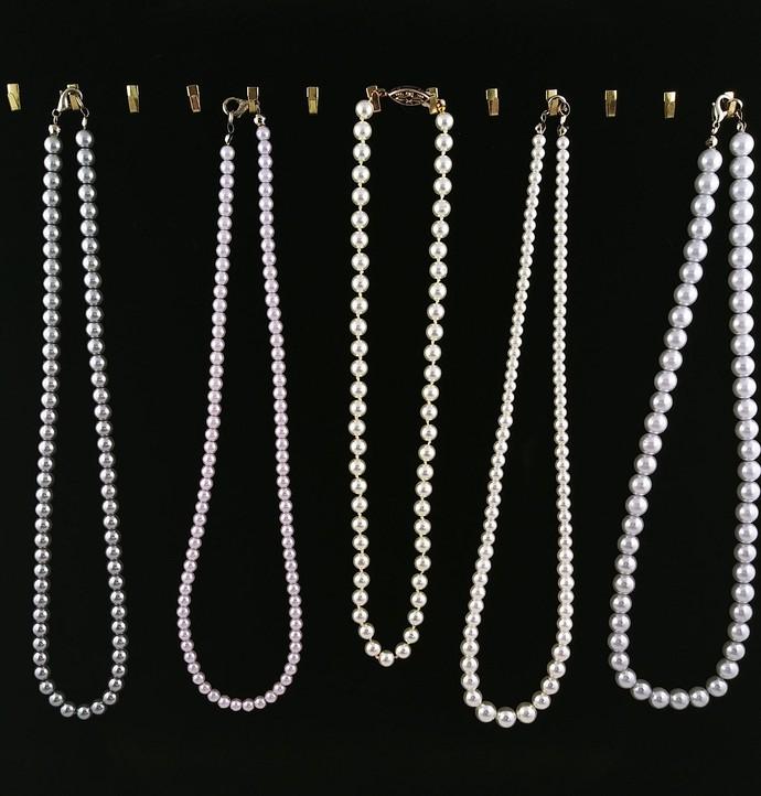 WHOLESALE Priced SALE SALE SALE MUST GO Bulk Lot Necklaces