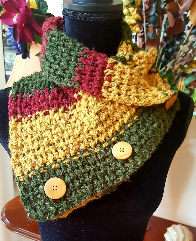 Crochet Tweed Cowl//Crochet Button Cowl, Crochet Tweed Neck Warmer