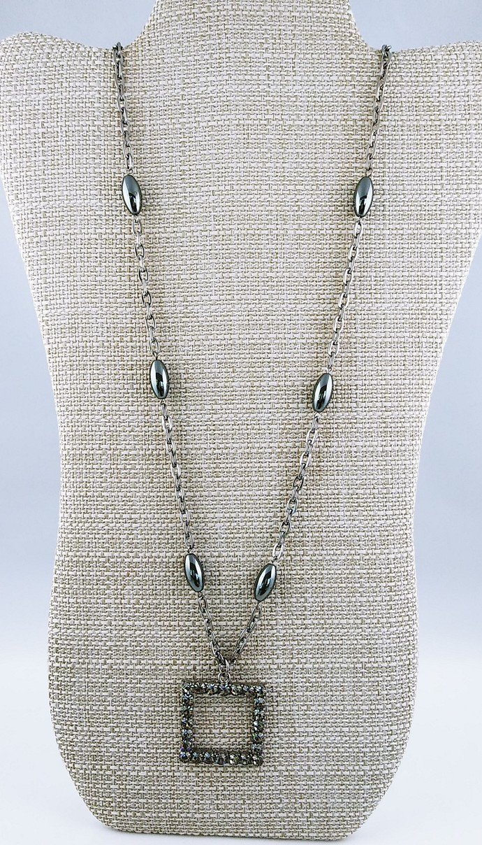 "28"" Chain beaded Necklace"